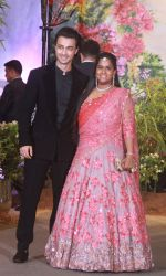 Arpita Khan, Aayush Sharma at Sonam Kapoor and Anand Ahuja_s Wedding Reception on 8th May 2018 (137)_5af422d54ec1d.jpg