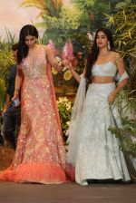 Janhvi Kapoor, Khushi Kapoor at Sonam Kapoor and Anand Ahuja_s Wedding Reception on 8th May 2018 (230)_5af43d016c72a.JPG