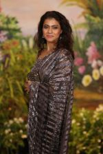 Kajol at Sonam Kapoor and Anand Ahuja_s Wedding Reception on 8th May 2018 (241)_5af43d78d8aa5.JPG