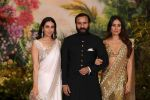 Karisma Kapoor, Saif Ali KHan, Kareena Kapoor at Sonam Kapoor and Anand Ahuja_s Wedding Reception on 8th May 2018 (266)_5af4401ba649a.JPG