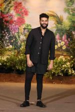 Kunal Rawal at Sonam Kapoor and Anand Ahuja_s Wedding Reception on 8th May 2018 (24)_5af440d2af18d.JPG