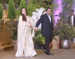 Mukesh Ambani, Nita Ambani at Sonam Kapoor and Anand Ahuja_s Wedding Reception on 8th May 2018 (118)_5af4419e4a766.jpg