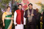 Poonam Sinha, Luv Sinha, Shatrughan Sinha at Sonam Kapoor and Anand Ahuja_s Wedding Reception on 8th May 2018 (10)_5af442007104c.JPG