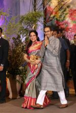 Uddhav Thackeray, Rashmi Thackeray at Sonam Kapoor and Anand Ahuja_s Wedding Reception on 8th May 2018 (35)_5af4438234126.JPG