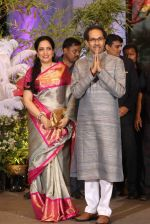 Uddhav Thackeray, Rashmi Thackeray at Sonam Kapoor and Anand Ahuja_s Wedding Reception on 8th May 2018 (36)_5af4438571cee.JPG