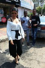 Nimrat Kaur spotted at bandra on 13th May 2018 (4)_5af92e3f7be0d.JPG