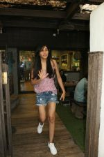 Pooja Chopra spotted at Bandra on 15th May 2018 (5)_5afbe1eaf0a53.JPG