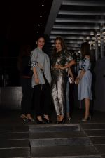 Manyata Dutt, Amrita Arora spotted at Hakkasan in bandra on 16th May 2018 (21)_5afeb32645e55.JPG