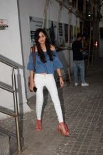 Pooja Chopra spotted at pvr juhu in mumbai on 17th May 2018 (3)_5afeb8c1c3ed8.JPG