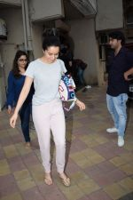 Shraddha Kapoor spotted at a dubbing studio in juhu on 17th May 2018 (3)_5afecf3078672.JPG