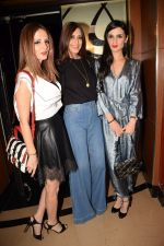 Suzanne Khan, Sonali Bendre, Anu Dewan at the Screening of hollywood film book club at pvr juhu on 16th May 2018 (47)_5afeaae35114a.JPG