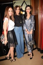 Suzanne Khan, Sonali Bendre, Anu Dewan at the Screening of hollywood film book club at pvr juhu on 16th May 2018 (50)_5afeacc838e42.JPG
