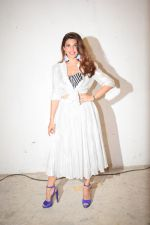 Jacqueline Fernandez at Veere Di Wedding media interactions at Sunny Sound juhu on 19th May 2018 (19)_5b02a4b6b72ec.JPG
