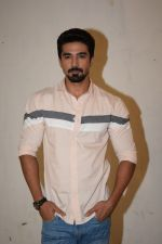 Saqib Saleem at Veere Di Wedding media interactions at Sunny Sound juhu on 19th May 2018 (19)_5b02a4fa322da.JPG