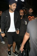 Allu Arjun spotted at bandra on 20th May 2018 (4)_5b053e3728840.JPG