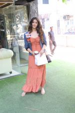 Nupur Sanon spotted at bandra on 22nd May 2018 (3)_5b0543464b7c4.JPG