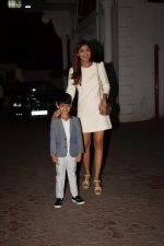 Shilpa Shetty, Raj Kundra & Viaan snapped as they go out for dinner on Viaan_s birthday at juhu on 20th May 2018(16)_5b053e4c74209.JPG