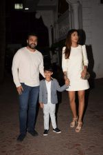 Shilpa Shetty, Raj Kundra & Viaan snapped as they go out for dinner on Viaan_s birthday at juhu on 20th May 2018(23)_5b053e525f656.JPG
