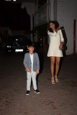 Shilpa Shetty, Raj Kundra & Viaan snapped as they go out for dinner on Viaan_s birthday at juhu on 20th May 2018(29)_5b053e58b90ad.JPG
