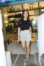 Yami Gautam spotted at Bandra on 20th May 2018 (7)_5b053f0e11256.JPG