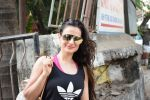 Ameesha Patel spotted at kromakey juhu on 29th May 2018 (17)_5b0d7730bc88d.JPG