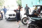 Ameesha Patel spotted at kromakey juhu on 29th May 2018 (20)_5b0d7782c917d.JPG