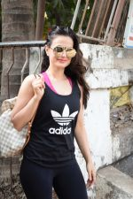 Ameesha Patel spotted at kromakey juhu on 29th May 2018 (28)_5b0d7850d65ec.JPG