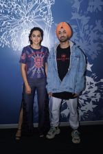 Diljit Dosanjh And Taapsee Pannu Spotted At Sony Office on 31st May 2018 (8)_5b10e7f784be4.jpg