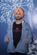 Diljit Dosanjh Spotted At Sony Office on 31st May 2018 (9)_5b10e7fe012d9.jpg