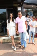 Ananya pandey, Ahaan Panday,Chunky Pandey and Family Spotted at Bandra on 3rd June 2018 (5)_5b14dabbde7f7.JPG