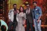 Farah Khan, Anil Kapoor, Remo D Souza, Saqib Saleem Promote Race 3 Film On Sets Of Dance India Dance Li_l Masters on 4th June 2018 (16)_5b162f1e282a9.JPG
