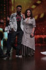 Farah Khan, Remo D Souza Promote Race 3 Film On Sets Of Dance India Dance Li_l Masters on 4th June 2018 (18)_5b162f23b668a.JPG