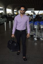 Upen Patel Spotted At Airport on 4th June 2018 (9)_5b162eef352ce.JPG