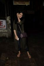 Nupur Sanon spotted at kromakey juhu on 7th June 2018 (7)_5b1a45a55026a.JPG