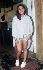 Shweta Salve at the exclusive Preview of Summer Capsule Collection by Simply Simone at ATOSA in Khar on 7th June 2018 (25)_5b1a45da7db8a.JPG