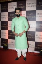 Manish Paul at Baba Siddiqui_s iftaar party in Taj Lands End bandra on 10th June 2018 (98)_5b1e23337c028.JPG