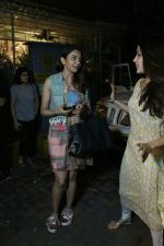 Rakul Preet Singh and Rhea Chakraborty spotted at Bandra on 12th June 2018 (2)_5b1fd503c1670.JPG