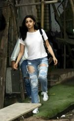 Alia Bhatt spotted at Kromakay salon in juhu on 12th June 2018 (4)_5b20b4db14d1a.jpg