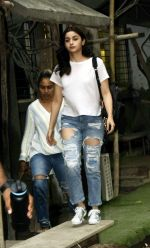 Alia Bhatt spotted at Kromakay salon in juhu on 12th June 2018 (5)_5b20b4dc75b95.jpg