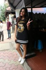 Pooja chopra spotted at bandra on 12th June 2018 (8)_5b20b6373f178.JPG