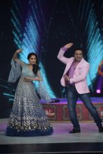 Govinda, Madhuri Dixit on the sets of Colors dance realty show Dance Deewane in filmcity on 13th June 2018 (22)_5b22051bde6ba.JPG