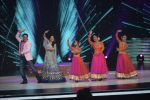 Govinda, Madhuri Dixit on the sets of Colors dance realty show Dance Deewane in filmcity on 13th June 2018 (26)_5b22051ee20e0.JPG