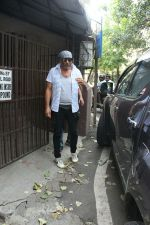 Jackie Shroff spotted Purple Haze studio for dubbing in bandra on 13th June 2018 (5)_5b22001f1c837.JPG