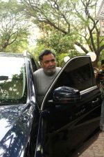 Rishi Kapoor spotted at bandra on 14th June 2018 (5)_5b227c525fab1.JPG