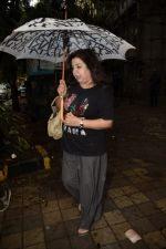 Farah Khan spotted at Kromakay salon in juhu on 16th June 2018 (1)_5b275830dab78.JPG
