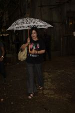 Farah Khan spotted at Kromakay salon in juhu on 16th June 2018 (3)_5b2758344f731.JPG