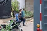 Madhuri dixit nene spotted on sets of total dhamaal on 21st June 2018 (1)_5b2ca4b496fb5.jpg
