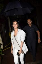 Sonal Chauhan spotted at juhu on 23rd June 2018 (1)_5b2f904645981.JPG