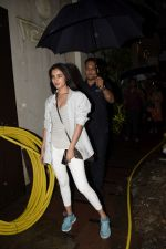 Sonal Chauhan spotted at juhu on 23rd June 2018 (6)_5b2f904f03bf8.JPG