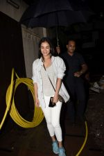 Sonal Chauhan spotted at juhu on 23rd June 2018 (9)_5b2f9057211ab.JPG